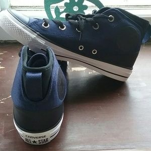 Converse All star chuck taylor's Mid top size 6